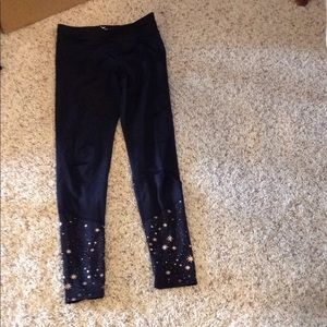 Athletic pants with design